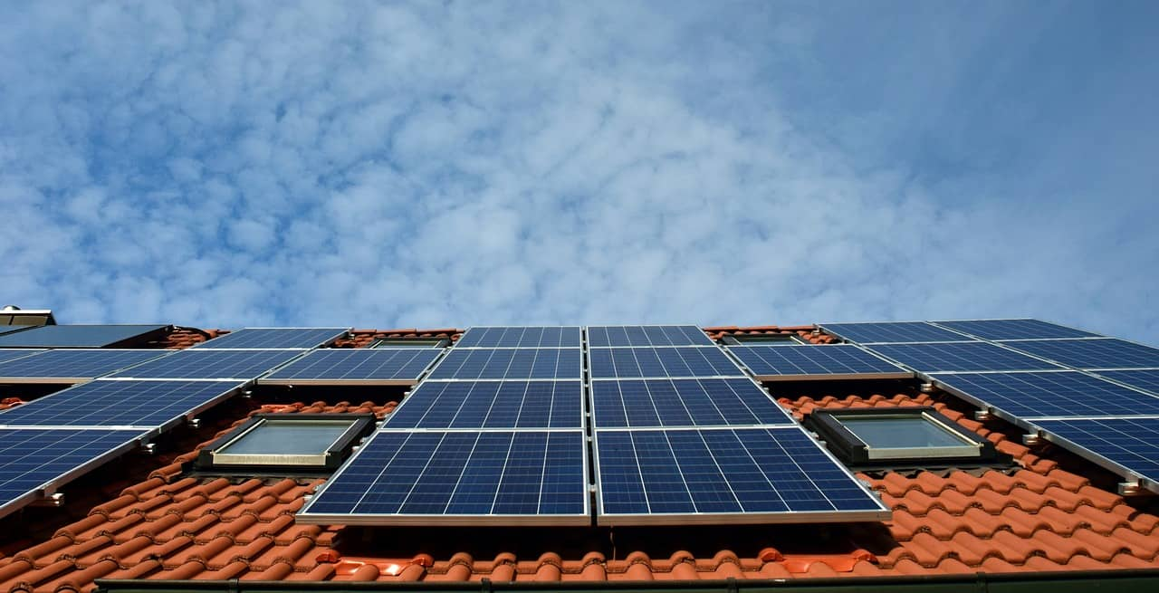 Residential Solar Panel Installation Tips and Long-Term Benefits