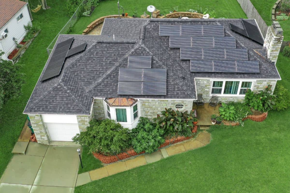 Residential8KWPitchedRoofSolarPanelArray