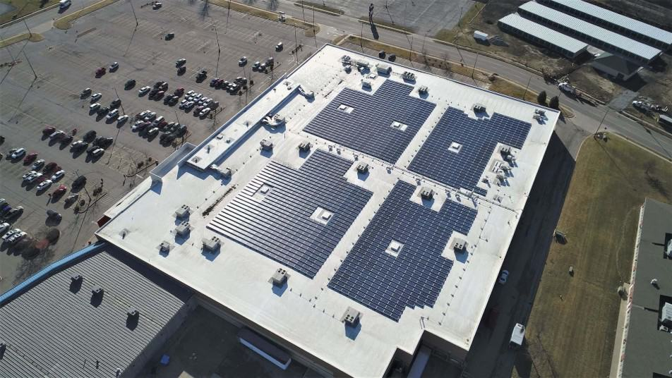 570 kW Ballasted Flat Roof Commercial Solar Panel Installation